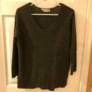 High-low 3/4-sleeve olive green sweater